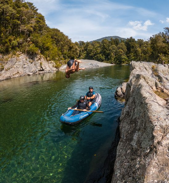 Kayaking and swimming at the Pelorus River