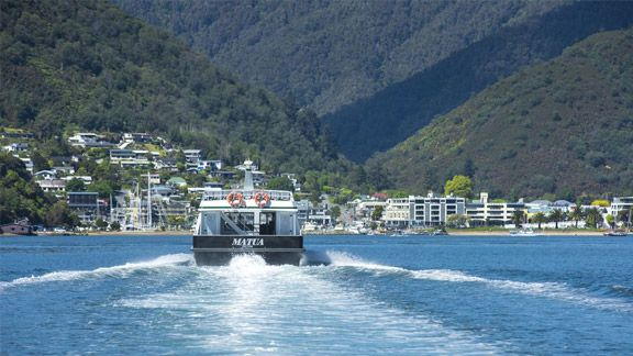 Scenic cruises & water taxis